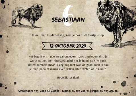 Stoere uitnodiging kinderfeestje met leeuw en spetters 3