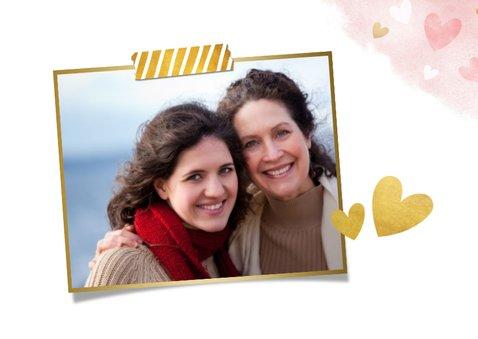 Tegoedbon voor moederdag met roze waterverf hartjes en goud 2