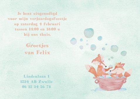 Uitnodiging 1 jaar eigen foto vosjes in bad 3