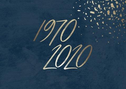 Uitnodiging 50 foto jaartallen donkerblauw met terrazzo 2