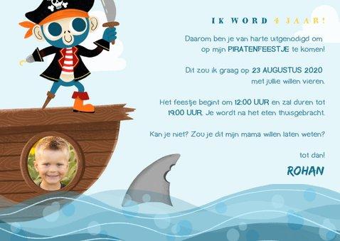 Uitnodiging kinderfeestje met piraten aap, papegaai en haai 3