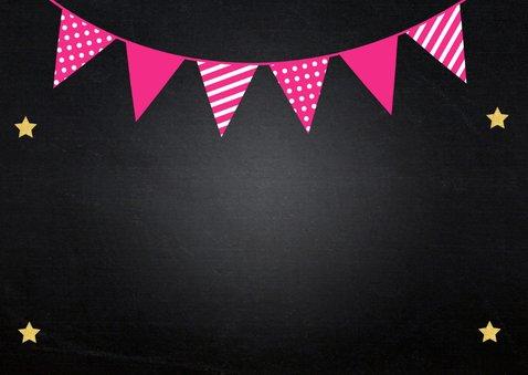 Uitnodiging kinderfeestje slinger fotocollage krijtbord roze 2