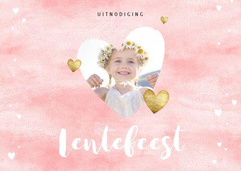 Uitnodiging lentefeest roze waterverf gouden hartjes en foto 2