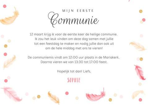 Uitnodigingskaart communie lentefeest veertjes roze confetti 3