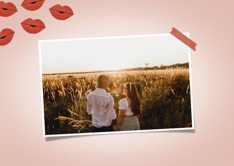 Valentijnskaart met foto ik wil met je zoenen kusjes corona 2