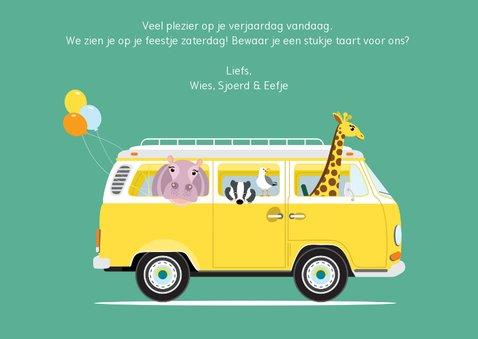 Verjaardagskaartje met een VW busje vol diertjes 3