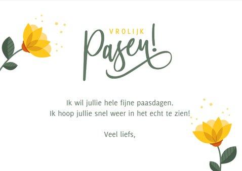 Vrolijke strakke paaskaart met gele bloemen en vrolijk pasen 3