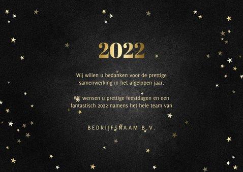 Zakelijke kerstkaart met gouden 2022 en sterren 3