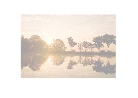 Zon weerspiegelt in water 2