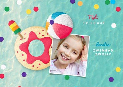 Zwemfeest meisje vrolijk kleurrijk confetti ijsjes foto 2