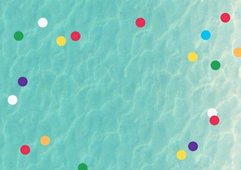 Zwemfeest meisje vrolijk kleurrijk confetti ijsjes foto Achterkant