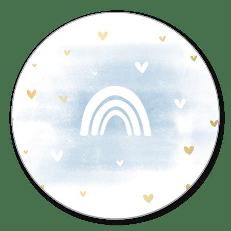 Regenboog silhouet met blauwe waterverf en hartjes