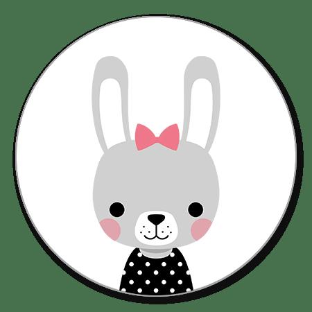 Grijs konijntje met zwart truitje