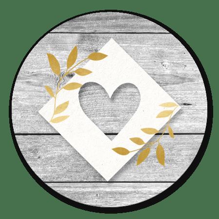 Hout met gouden takjes en hartje