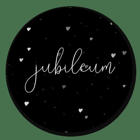 Jubileum op zwart en hartjes