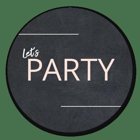 Let's party roze letter op krijt