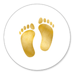 Goldene Babyfüße